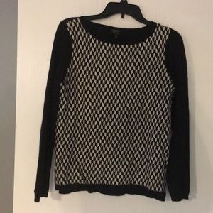 Black and white patterned cashmere sweater